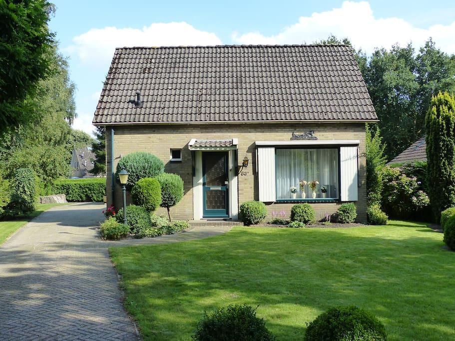 Vrijstaande woning met ruime tuin huizen te huur in for Vrijstaande boerderij te huur gelderland