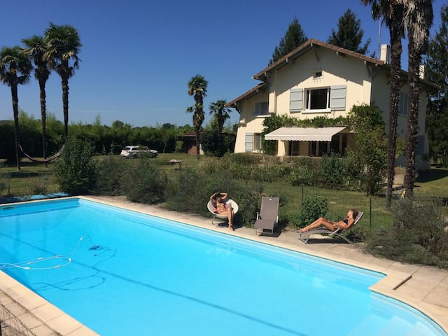 St Jean - Large Villa with Pool - Castagnède - Дом