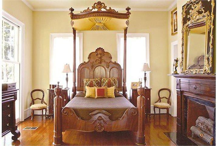 Master Bedroom 1 downstairs