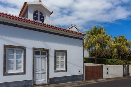 Casa do Vizinho João - Ribeira Das Tainhas - Rumah