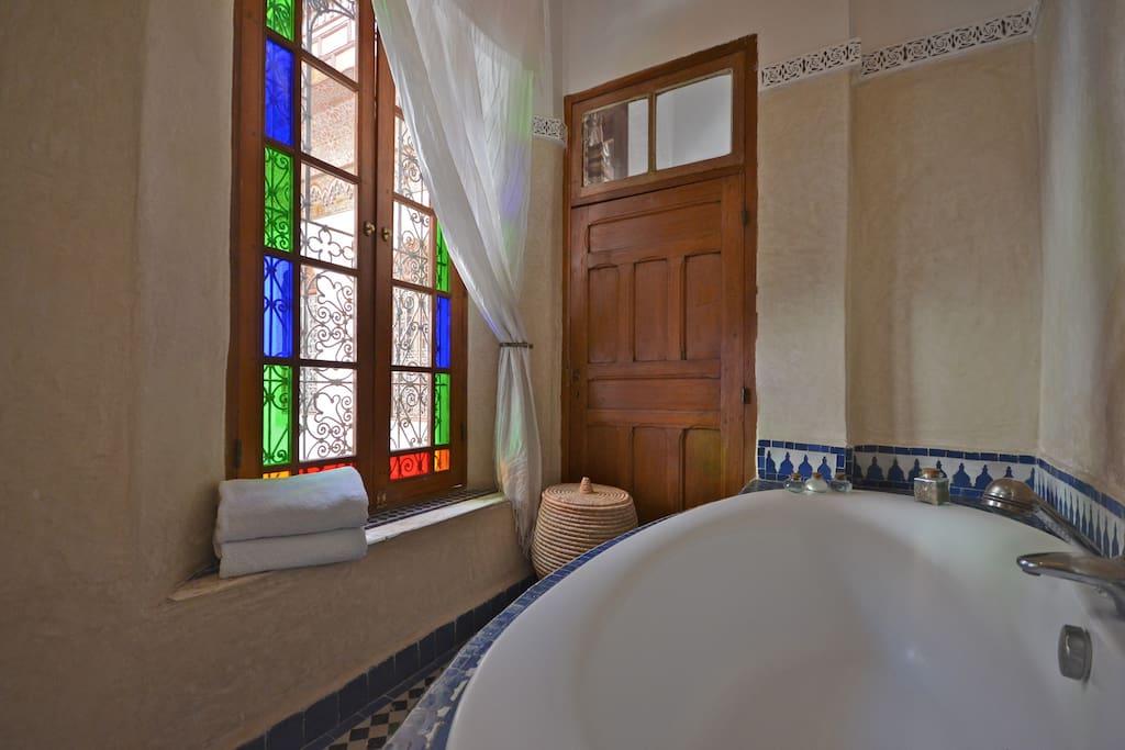 Tamarind suite bathroom