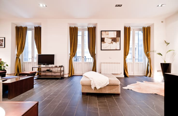 Big Flat in the Center of Madrid - Madrid - Huis
