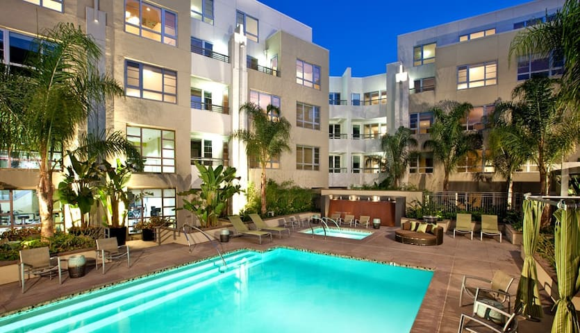 HOLLYWOOD LUXURY 5 BEDs WALK OF FAME POOL SPA - Hollywood - Apartment