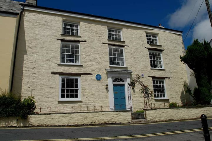 Warmington House. *Reduced rate for small groups