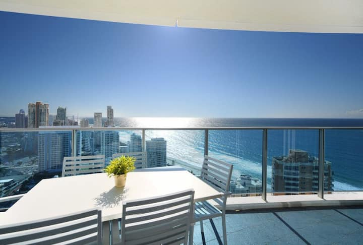 22 Levels Above Hilton - 2 Bedrooms AMAZING OCEAN