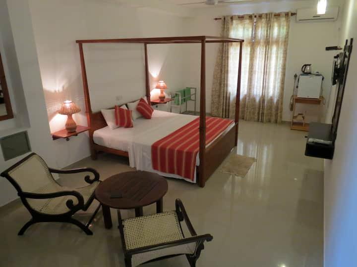 Villa Paradise Private room A/c beachfront