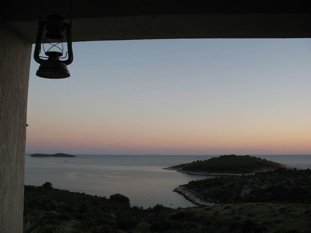 Magnificent view- apartment Saric 2