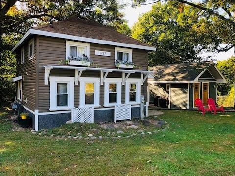 Entire Cottage - Delavan Lake - Assembly Park -