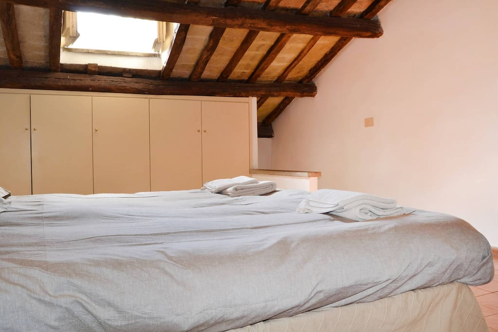 1st  bedroom with 2 or 3 single beds or one double and one single