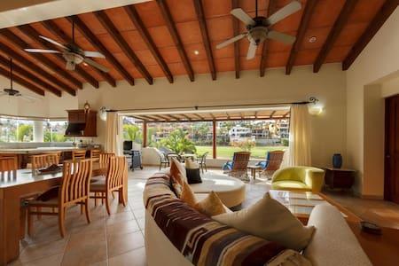 Luxurious Villa, walk to beach/town - San José del Cabo