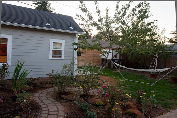 Landscaping on the side of the tiny house.
