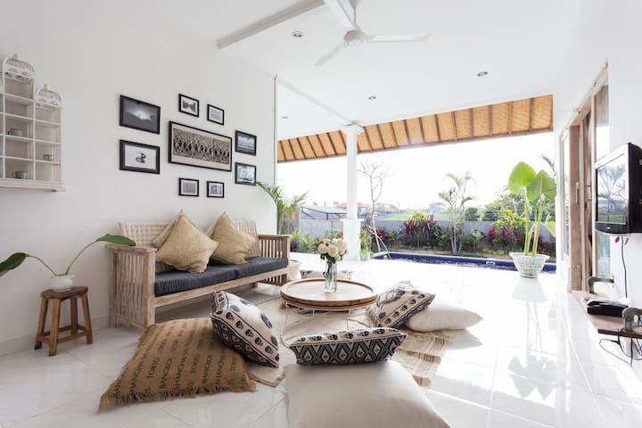 LUXURY,COSY & PRIVATE VILLA - Canggu - Casa de campo