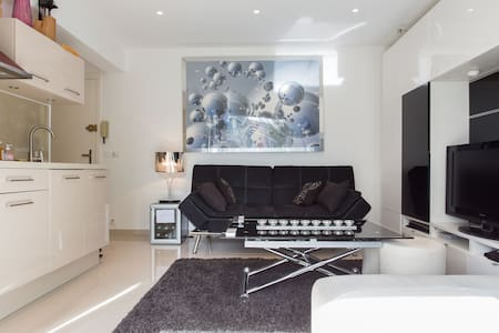 "IDEAL RENTAL ""100 m to the beaches"" - Cannes"