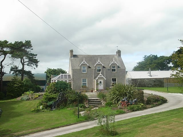 Groarty House Bed and Breakfast