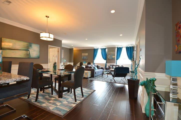 Magnificent 2 Bdrm Luxury Apt. #203 - Hamilton - Condominium