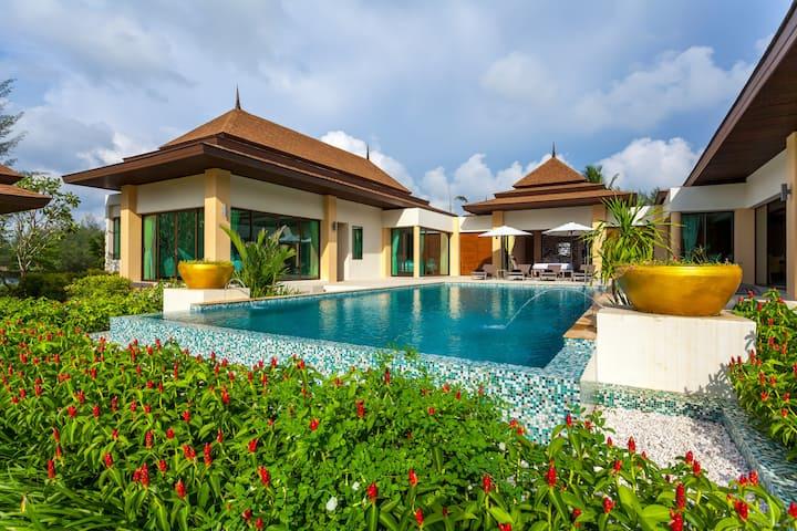 Beach front Luxury Pool Villa 3 Bedrooms (A2)