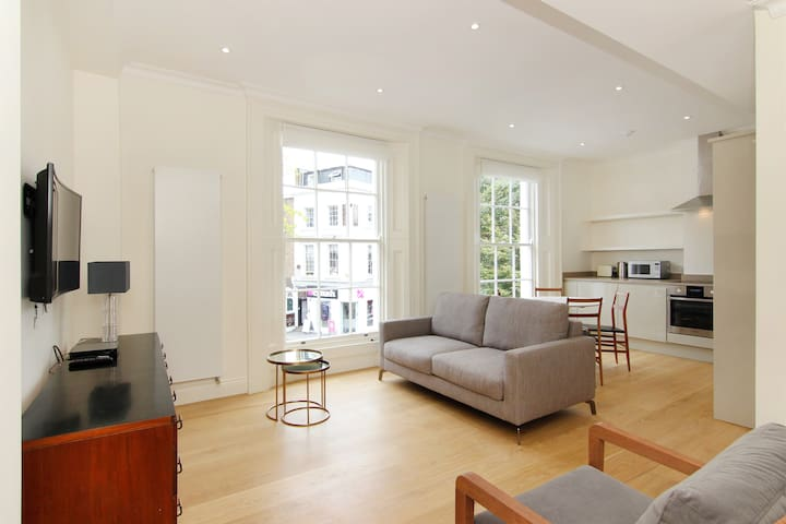 King's Road Chelsea 2 Bed 2.5 Bath Free WiFi