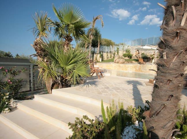 Villa panoramica  con piscina a Polignano - Conversano