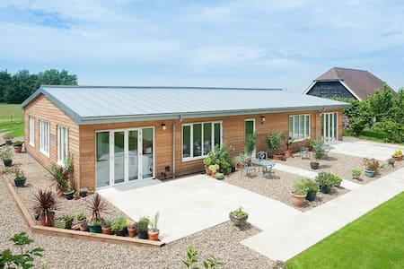 Apple Barn - Kent