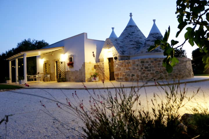Trullo in Salento con piscina