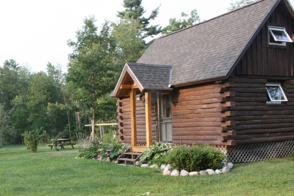 Champlain valley log cabin at foxglove farm cabins for for Lake champlain cabins and cottages