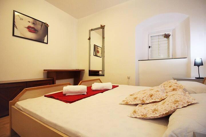 Frano Makarska Apartment - Makarska - Flat