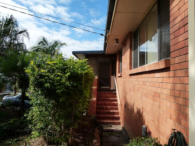 CW House - Chermside West, Brisbane - Rumah