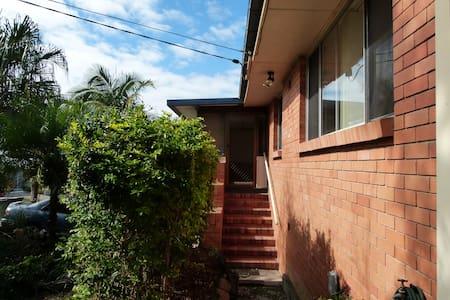 CW House - Chermside West, Brisbane - Rumah