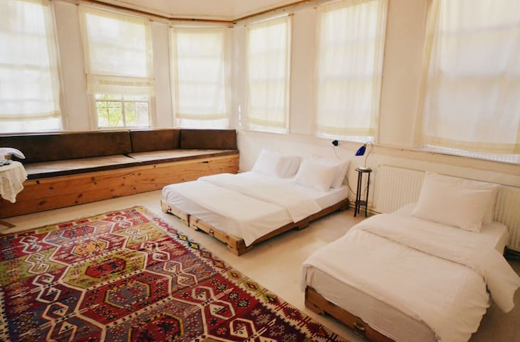 Cozy room at the heart of the city - AMASYA - Bed & Breakfast