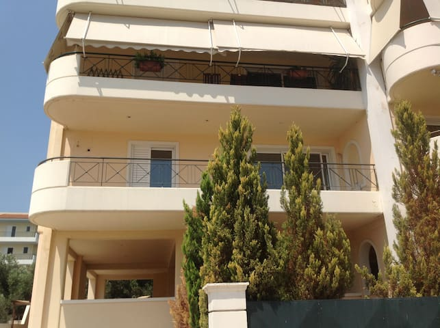 Spacious apartment close to the equestrian center - Anatoliki Attiki - 公寓
