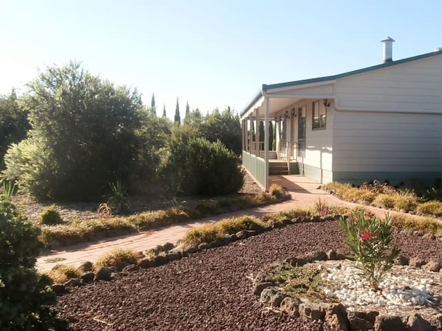 Echuca Holiday Home from Home B&B - Echuca West - House
