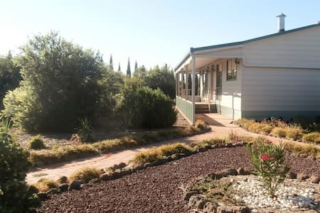 Echuca Holiday Home from Home B&B - Echuca West