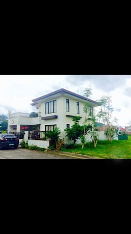 Relaxing home with swimming pool! - Tagaytay City - Rumah