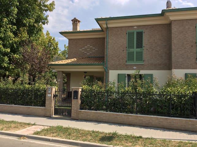Splendida villetta a due piani - Soliera - Casa