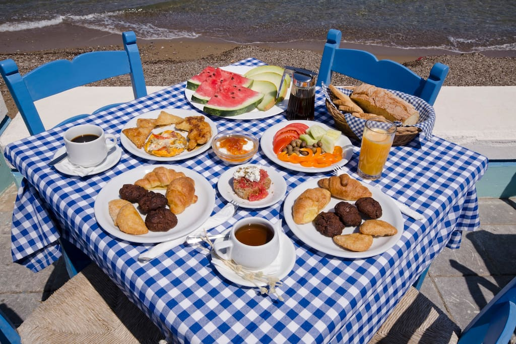 Free Breakfast on the beach front