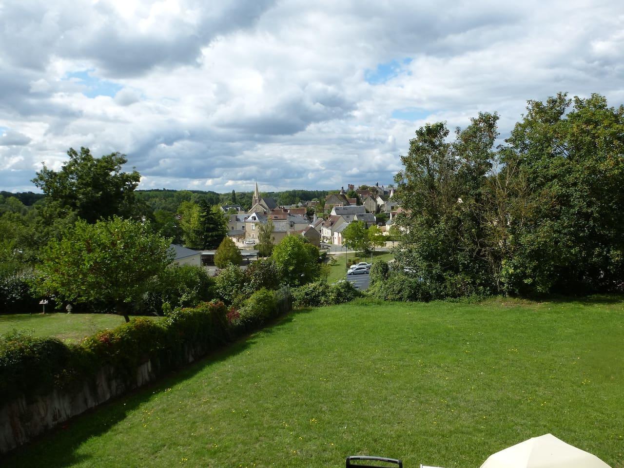 Quartier paisible avec vue sur bourg, vallée de l'Indre et chateau d'Esvres