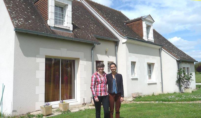 Maison de caractère vue sur bourg - Esvres-sur-Indre - Ev