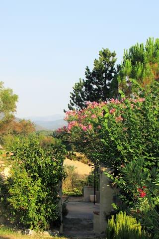 Maison au calme vu sur les Cévennes - Allègre-les-Fumades - Casa