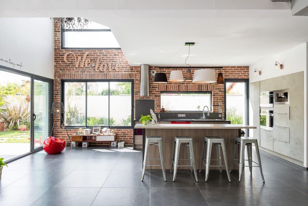 villa lyon contemporaine au calme h user zur miete in. Black Bedroom Furniture Sets. Home Design Ideas