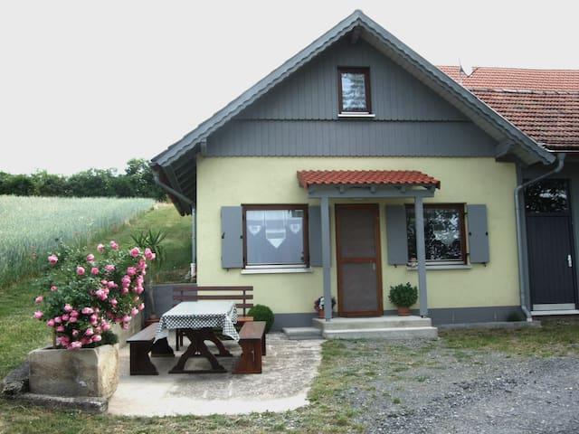 Ferienwohnung Berghäusle - Stadtlauringen-Birnfeld - Casa