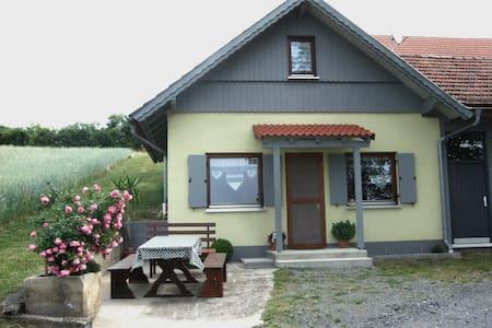 Ferienwohnung Berghäusle - Stadtlauringen-Birnfeld - Ev