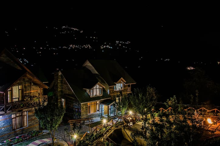 Zahir Cottages - Manali - Bungalov