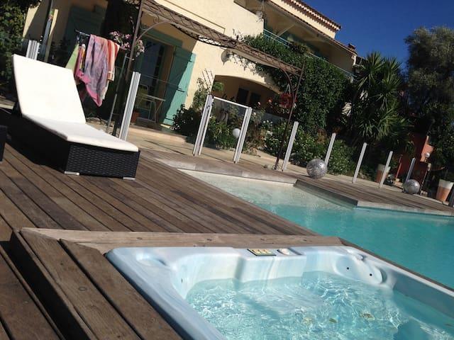 Studio rez de jardin dans villa - Cagnes-sur-Mer - Villa