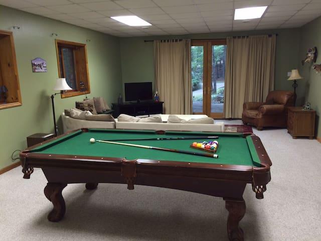 Spacious & Relaxing Open Floorplan - Blacksburg