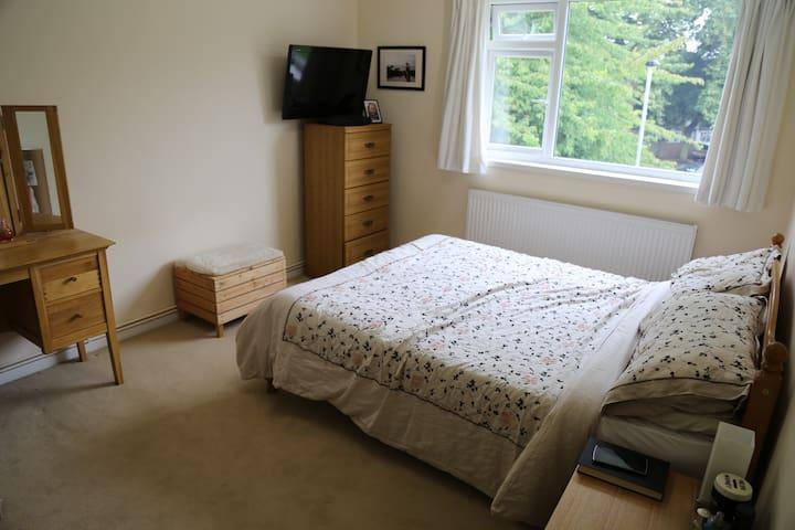 Beautiful, modern 2 bedroom flat