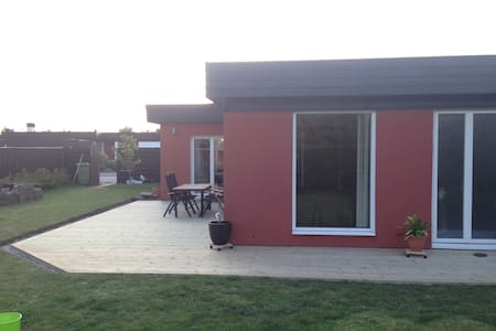 Modern villa, family friendly - มัลโม