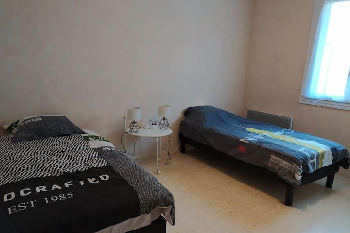 Chambre lits jumeaux/double La Montagnette +PtiDej