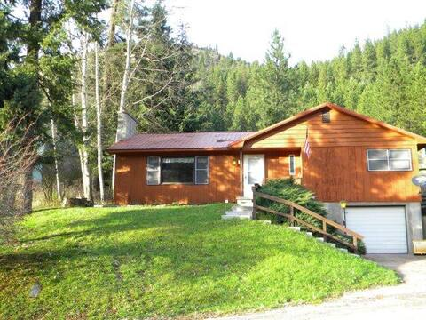 Idaho Mountain View Cottage