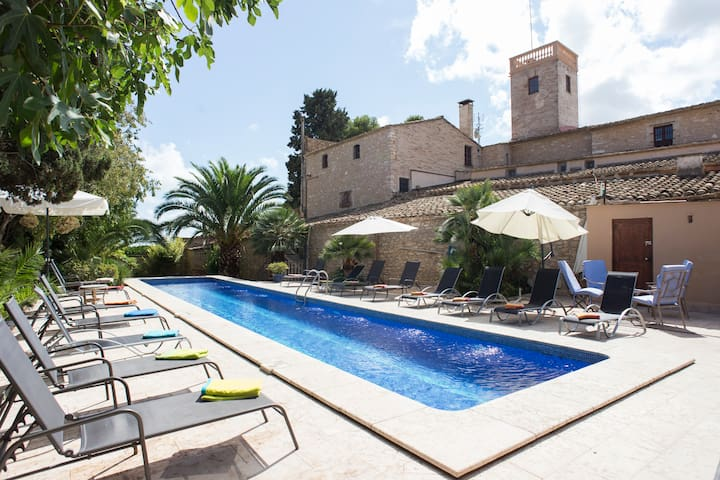 Villa 15th cent. up to 35 - Sitges - Haus
