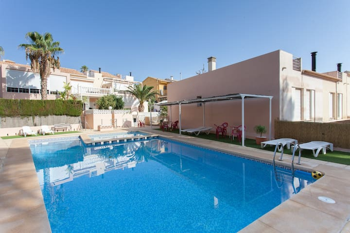 Habitación en urb con piscina - L'Alfas del Pi - Casa